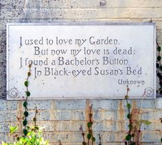 Gardening Signs - Fans of the Gardening Cook Share I love garden signs of all types. They add a touch of whimsy to any garden setting and give you an idea of the personality of the gardener too. Garden Deco, Love Garden, Diy Garden, Garden Crafts, Lawn And Garden, Garden Projects, Garden Art, Herb Garden, Fun Projects