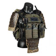Tactical Beard, Tactical Armor, Combat Suit, Combat Gear, Military Chic, Military Gear, Body Armor Plates, Zombie Apocalypse Survival, Futuristic Armour