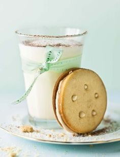 Milk and cookies for the #kiddies turndowns at the Riviera on Vaal Hotel. Koffieroom-koekies | SARIE | Coffee cream cookies