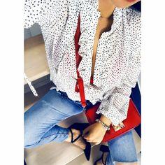 Piękna szyfonowa koszula w kropki z wiązaniem przy szyi i mankietach. Zapinana na guziczki. Idealna do eleganckich stylizacji ale również na co dzień do jeansów. Wykonana z bardzo dobrej jakości materiału. Dostępna jest w trzech wersjach kolorystycznych. Tops, Women, Fashion, Moda, Fashion Styles, Fashion Illustrations, Woman