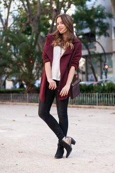 photo 1-celine_trio_bag-burgundy-street_style_zpsac12685e.jpg Esta chica siempre va estupenda, su secreto ¿será la felicidad?