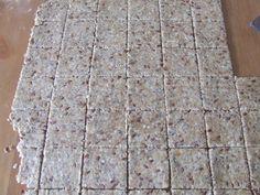 Crackers integrali cu seminte | Sănătate într-o farfurie Energy Bars, Granola, Recipes, Appetizers, Milk, Breakfast, Image, Morning Coffee, Recipies