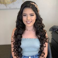 Quince Hairstyles, Tiara Hairstyles, Fancy Hairstyles, Braided Hairstyles, Bridal Hair Tips, Quinceanera Hairstyles, Quince Dresses, Wedding Hair Inspiration, Hair Styler