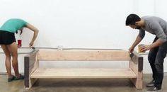 DIY : fabriquer un canapé avec des planches de bois et des coussins