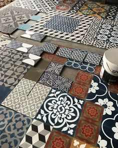I freaking love this. JP would hate it. We'll do a small room. Floor Design, Tile Design, Tile Art, Wall Tiles, Inspiration Wand, Paver Designs, Unique Tile, Encaustic Tile, Handmade Tiles