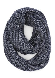 navy infinity scarf http://rstyle.me/n/r55zepdpe