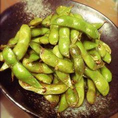 指先、皮まで美味しいんですよぉー!!! - 11件のもぐもぐ - 枝豆のバタポン炒め簡単でコク旨 by noppinpin