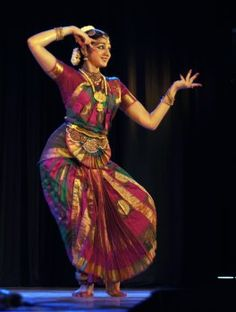 Real Beautiful Indian Classical Dance, Classical Music, Gypsy Women, India Art, Female Actresses, Silhouette Art, South India, Tribal Fashion, Incredible India