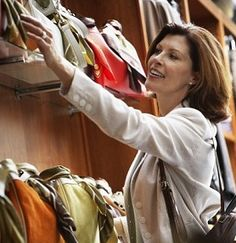 Stylish Age Appropriate Wardrobe Essentials for Women Over 50 - Hairstyles For Women Hairdos For Older Women, Hair Styles For Women Over 50, Short Hair Styles, Mature Fashion, Fashion For Women Over 40, Only Fashion, 50 Fashion, Fashion Beauty, Over 40 Hairstyles