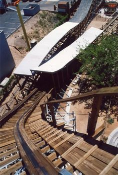New Mexico Rattler | Cliff's Amusement Park | USA- a wooden rollercoaster!