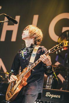 J Pop Bands, Daisuke, Music Instruments, Punk, Iphone, Artist, Image, Style, Swag