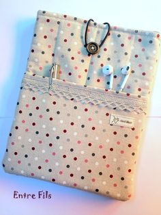 Ipad Air 2, Laptop Pouch, Laptop Bags, Ipad Rules, Sewing Tutorials, Sewing Crafts, Sewing Projects, Book Sleeve, Sewing School