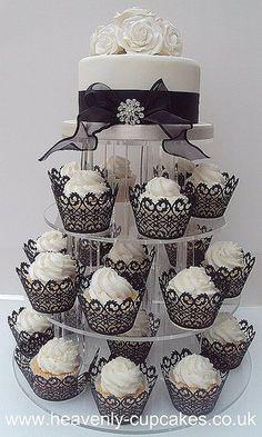 Black and White Wedding Cake and Cupcake Decorating Ideas