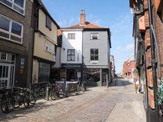 Pottergate Norwich England, Norwich Norfolk, Norfolk England, Uk Photos, Great Britain, Beautiful Landscapes, Nostalgia, Memories, City