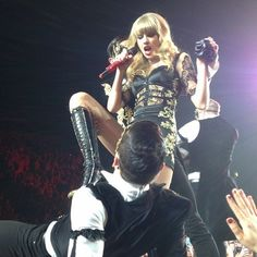 Taylor Swift being who she really is! Nuff said Selena And Taylor, All About Taylor Swift, Taylor Swift Concert, Live Taylor, Taylor Swift Style, Taylor Alison Swift, Celebrity Singers, State Of Grace, Taylor Swift Pictures
