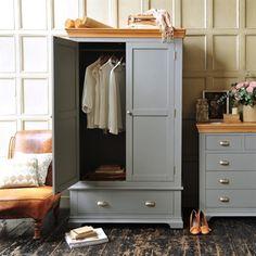 36 Ideas Bedroom Wardrobe Design Grey For 2019 Wardrobe Furniture, Painted Bedroom Furniture, Grey Furniture, Bedroom Wardrobe, Upcycled Furniture, Painting Pine Furniture, Interior Painting, Wooden Furniture, Furniture Design