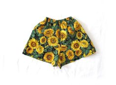25% OFF SALE vintage 1990s shorts // children girl // sunflower print // summer // size 6 8 10 12