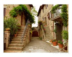 Tuscany Stairways Stampa fotografica di Donna Corless su AllPosters.it