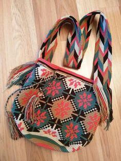 Crochet Clutch, Crochet Purses, Crochet Bags, Knit Crochet, Tapestry Bag, Tapestry Crochet, Bead Loom Patterns, Tribal Patterns, Loom Beading
