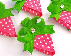 Items similar to One Strawberry hair bow clip party favors--pink white green hair bows--ribbon sculptures on Etsy Ribbon Hair Bows, Diy Hair Bows, Diy Bow, Bow Hair Clips, Bow Clip, Ribbon Flower, Diy With Kids, Pink Party Favors, Strawberry Hair
