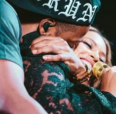 Beyonce & Jay Z King Queen Power Couple Relationship Goals Black Love Beautiful Happily Married Wedding Love Celebrity On The Run Tour Beyonce Knowles Carter, Jayz Beyonce, Beyonce 2013, Beyonce Style, Destiny's Child, Beyonce Pictures, Run Tour, Bae, Romantic Couples