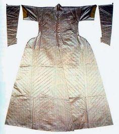 Atlas caftan (middle 16th century) very interesting separated sleeves
