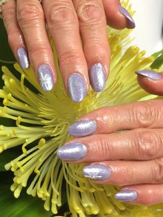 I'm in love with this combo from today. This is  Hand & Nail Harmony #pictureperfect from NailHarmonyUK/Gelish with #infinityglitter from The Nail Space