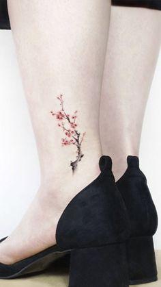 48 Cherry Blossom Tattoos That Are Way Beyond Perfect Kirschblüten-Tattoo am Knöchel von Jeejae Jung Hair Tattoos, Wrist Tattoos, Flower Tattoos, Body Art Tattoos, Cute Tiny Tattoos, Beautiful Tattoos, Small Tattoos, Cool Tattoos, Inspiration Tattoos