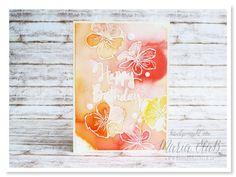 papierrascheln.de 》Auf Aquarellpapier der Einzelstempel 'Stylized Birthday' und zwei Blüten aus dem Set 'Penned & Painted' weiß embossed, danach mit dem Stampin' Spritzer besprüht und zu den Nachfüllern in Flamingorot, Pfirsich Pur, Curry Gelb und Kirschblüte gegriffen. Nachdem je ein Tropfen auf dem Papier ist, wieder mit dem Stampin' Spritzer aufs Papier sprühen und trocknen lassen.
