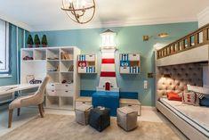 Kreatív gyerekszoba berendezés ötlet - emeletes ágy, mászófal és világítótorony
