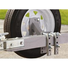Soporte apernable para montar rueda de repuesto, para perfiles de hasta75mm de ancho y 100mm de altura. Apto para llantas de 4 y 5 orificios. Incluye todos los pernos necesarios para montaje.