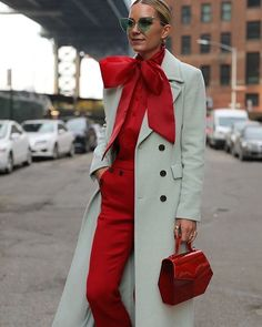 New Fall Color Combinations Blair Eadie revisits a few of her favorite color combinations on Atlantic-Pacific // Fashion Week, Look Fashion, Winter Fashion, Fashion Outfits, Fashion Trends, Fashionable Outfits, Dressy Outfits, Red Fashion, Work Outfits