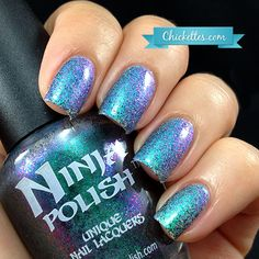 PRETTY !!!! The color of my fav gemstone Ninja Polish Alexandrite color shifting glitter topper