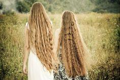 long hair, wavy