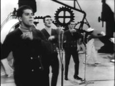 The Vogues - Five O'clock World - YouTube