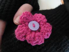 Details on the crochet flower