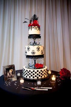 Elegant Old Hollywood Cake, Miville Photography