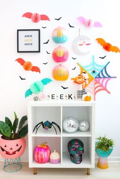 A Kailo Chic Life - Kailo Chic - DIY your way to a colorful life! DIY Gradient BOO Pumpkins and Halloween Gallery Wall – A Kailo Chic Life Happy Halloween, Kawaii Halloween, Halloween Home Decor, Halloween 2020, Halloween Party Decor, Halloween House, Spooky Halloween, Holidays Halloween, Halloween Themes