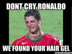 We Sorta Feel Bad For Cristiano Ronaldo Funny Basketball Pictures, Soccer Pics, Soccer Stuff, Fifa Memes, Funny Soccer Memes, Funny Memes, Soccer Humor, Funny Hockey, Funny Minion