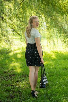 @oldnavy grahpic T and a polka dot skirt. Photo by @hannahdphotos