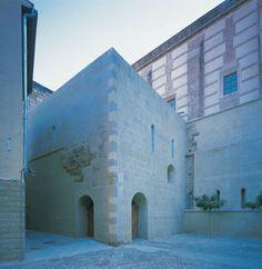 http://divisare.com/projects/110426-a-h-alonso-hernandez-asociados-jose-manuel-cutillas-biblioteca-del-monasterio-de-fitero