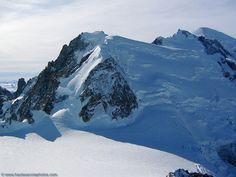 le Mont Blanc du Tacul (la vetta più alta da me raggiunta) Grandes Photos, Chamonix, Photos Du, Wander, Climbing, Mount Everest, Beautiful Places, To Go, Gauche