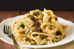 I used beef broth instead of wine, Parmesan , and shaved roast beef. Truly delicious. Creamy Mushroom-Fontina Pasta