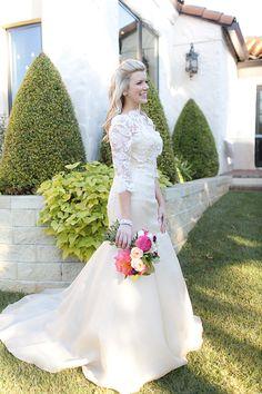 { solutions bridal } Vestido Rendado e Casamento Romântico | http://blogdamariafernanda.com/vestido-noiva-renda-casamento-romantico