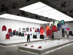 Nike pop up showroom by Maggie Peng & Albert Tien, Beijing store design Boutique Interior, Window Display Retail, Retail Displays, Shop Displays, Window Displays, Tienda Pop-up, Retail Architecture, Retail Store Design, Retail Stores