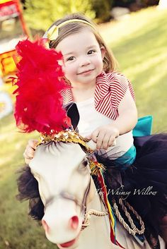 Children's Photography, Circus Birthday party theme, www.thewhimsywillow.com