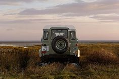 17 Photos That Will Make You Want A Land Rover Defender Heritage Edition - Airows Landrover Defender, Defender 90, Adventure Car, Land Rovers, Automobile, Car Wheels, Offroad, Dream Cars, Vehicles