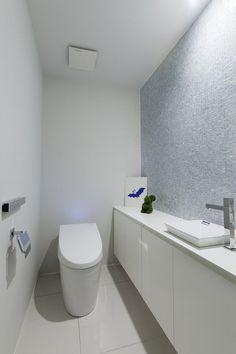 トイレ|施工例|renovation casa Bathroom Toilets, Laundry In Bathroom, Washroom, Small Bathroom, Toilet Room, Japanese Interior, Japanese House, Powder Room, Room Interior