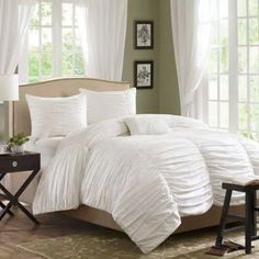 Madison Park Delancey Full/Queen 4 Piece Duvet Cover Set in White - Olliix Delancey bed set is where fun meets comfort. The entire top of the duvet cover is ruched fabric that makes it look billowy and soft while there are seams down the lengt Queen Comforter Sets, Duvet Sets, Duvet Cover Sets, Twin Comforter, Cover Pillow, Queen Duvet, Ruffle Bedding, Duvet Bedding, Knives