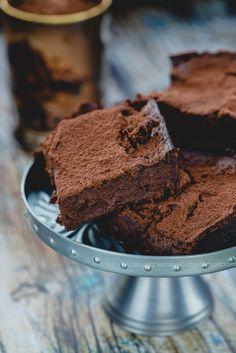 Ciasto bez cukru i mąki jak brownie Polish Desserts, Polish Recipes, Bakery Recipes, Snack Recipes, Dessert Recipes, Healthy Candy, Healthy Sweets, Sweet Desserts, Sweet Recipes